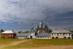 Monasterio de Konevsky en la isla Konevets Fotos de archivo libres de regalías