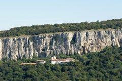 Monasterio de la montaña Imágenes de archivo libres de regalías