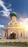 Monasterio de la suposición de Tikhvin, un ortodoxo ruso, Tihvin, región de St Petersburg, Rusia Foto de archivo