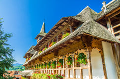 Monasterio de madera de Barsana, Maramures, Rumania Imagen de archivo libre de regalías