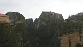 Monasterio de Meteoron magnífico en las montañas Grecia de Meteora almacen de metraje de vídeo