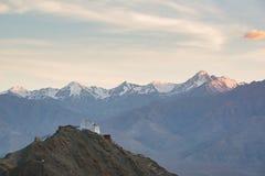 Monasterio de Namgyal Tsemo con la puesta del sol, Leh Ladakh, la India Imagen de archivo