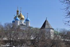 Monasterio de Novospassky en Moscú. Imagenes de archivo