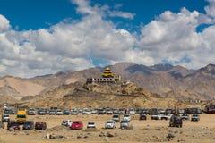 Monasterio de oro del tejado en Leh Ladakh Fotos de archivo