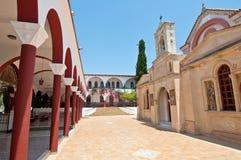 Monasterio de Panagia Kalyviani cerca de pueblos de los cenagales y de Kalyvia en la isla de Creta, Grecia Fotografía de archivo libre de regalías