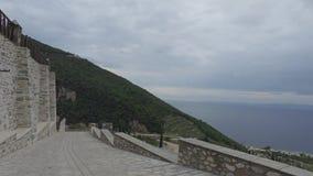 Monasterio de Panteleimon del santo, la iglesia principal, el monte Athos, Grecia almacen de metraje de vídeo