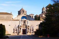 Monasterio de Poblet en día soleado cataluña Fotos de archivo