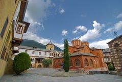 Monasterio de St. John el precursor cerca del lago Kerkini, Grecia imágenes de archivo libres de regalías