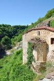 Monasterio de Taxiarches y cascada de Stenopotamos imágenes de archivo libres de regalías