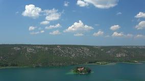 Monasterio de Visovac, Croacia almacen de metraje de vídeo