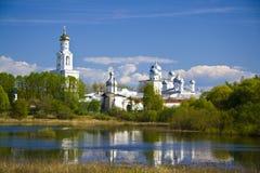 Monasterio de Yuriev del verano Imagen de archivo libre de regalías