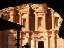 Monasterio, Deir, Petra, Jordania imagenes de archivo