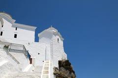 Monasterio en la isla de Skopelos Foto de archivo libre de regalías