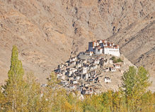 Monasterio en la tapa de la colina Fotos de archivo libres de regalías