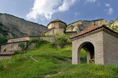 Monasterio en las montañas Fotos de archivo libres de regalías