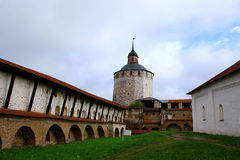 Monasterio (Kirillo-Belozersky) Imagenes de archivo