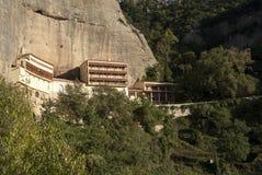 Monasterio mega de Spilaio en Kalavryta Fotos de archivo libres de regalías