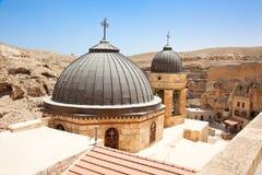 Monasterio ortodoxo griego en el desierto de Judean Imagen de archivo libre de regalías