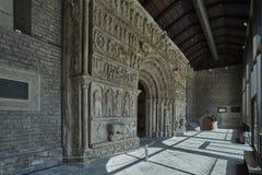 Monasterio porta Ripoll Imágenes de archivo libres de regalías