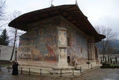 monasterio Rumania del voronet imagenes de archivo