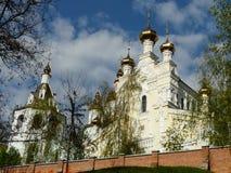 Monasterio santo de Pokrovsky, Kharkov, Ucrania imagen de archivo libre de regalías