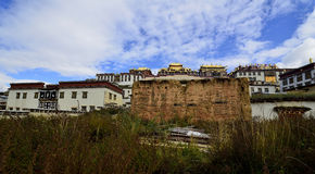 Monasterio tibetano de Gedan Songzanlin, Shangri-La Fotos de archivo