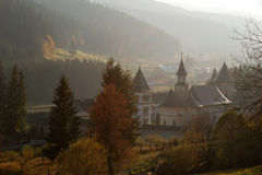 monasterio y naturaleza Imagen de archivo libre de regalías
