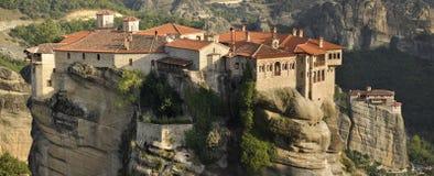 Monasterios en Meteora en Grecia Imágenes de archivo libres de regalías