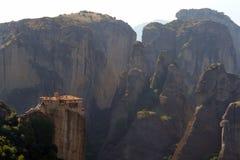 Monastero antico su una roccia Fotografia Stock