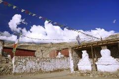 Monastero buddista antico nel deserto ad alta altitudine della montagna Fotografia Stock