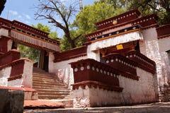Monastero dei sieri a lhasa immagini stock