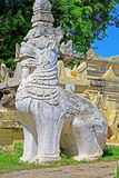 Monastero di pietra di Lion At Maha Aungmye Bonzan, Innwa, Myanmar Immagine Stock