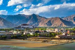 Monastero di Potala nel Tibet Fotografia Stock Libera da Diritti