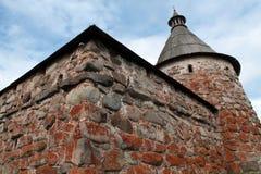 Monastero di Solovetsky. Torretta bianca Fotografia Stock