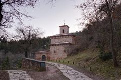 Monastero di Suso, in San Millan de la Cogolla, La Rioja, Spagna immagini stock libere da diritti