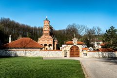 Monastero Djunis con la chiesa della madre dello schermo del ` s di Dio, Serbia immagine stock
