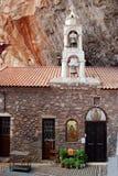 Monastero nelle montagne, Grecia di Dimitrios del san di Belltower Fotografia Stock Libera da Diritti