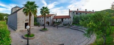 Monastero Podmaine Podostrog, chiesa di presupposto, Budua, Montenegro immagine stock libera da diritti