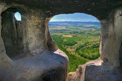 Monastero roccioso sul plateau vicino a Shumen, Bulgaria Fotografia Stock