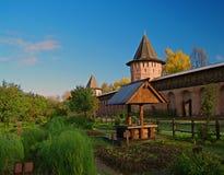monasteru ogrodowy well obrazy stock
