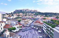 Monastiraki广场和上城视图雅典希腊 免版税图库摄影