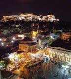 Monastiraki en Parthenon bij nacht stock fotografie