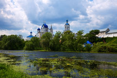 Monastério da ortodoxia em Bogolyubovo Fotografia de Stock