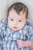 2 Monate alte Baby zu Hause Stockbilder