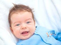 2 Monate alte Baby zu Hause Lizenzfreie Stockfotografie