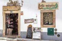 Monchique, Portugal - April, 18, 2017: Alte Mitte der Straßenansicht von stockbild