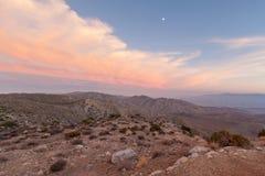 Mond über Taste-Ansicht - Joshua-Baum-Nationalpark Stockfoto