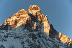 Mond auf dem Matterhorn Stockbild