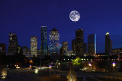 Mond, der über Hoston, Texas steigt Lizenzfreies Stockfoto