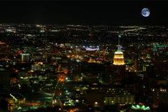 Mond, der über San Antonio, Texas steigt lizenzfreie stockfotos